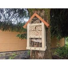Hmyzí hotel - domček pre prospešný hmyz I.